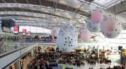 """COD ROȘU pe AEROPORT! Act de TERORISM produs de o VEDETĂ: """"Am o BOMBĂ în bagaje"""". ."""