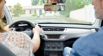 Examen auto – Experții auto îți spun cum să treci examenul de permis