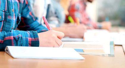 Simulare BAC 2019 – Matematică. Elevii claselor a XI-a și a XII-a de la real îşi testează cunoştinţele la proba obligatorie a profilului