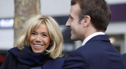 Ridurile au dispărut de pe fața lui Brigitte Macron! Este cea mai frumoasa aparitie de pana acum! Parcă a întinerit peste noapte