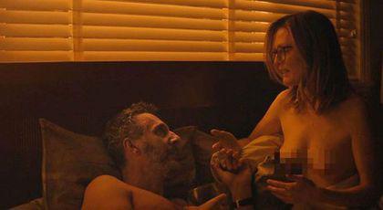Julianne Moore, scene de amor la 58 de ani! A apărut complet goală în noul său film