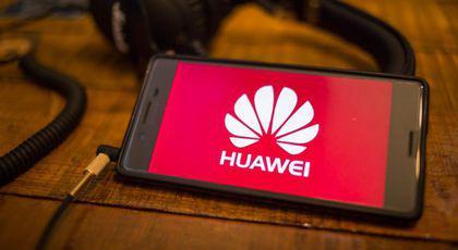 """Telefoane Huawei date la un magazin cu preț de """"ADIO"""". De ce să le cumperi până nu..."""