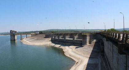 Muntele de beton Stânca-Costeşti. Cum a cheltuit Ceauşescu 60 de tone de aur pur pentru mega-barajul de la Prut