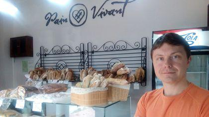 REPORTAJ: A lucrat trei ani în Franța și s-a îndrăgostit atât de mult de produsele franțuzești de panificație încât și-a deschis în România propria afacere| GALERIE FOTO