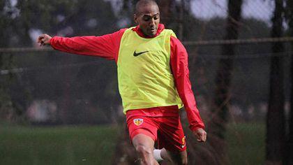 William De Amorim va fi împrumutat la Apollon Limassol. Brazilianul n-a convins la Kayserispor, acum merge să-și relanseze cariera în Cipru
