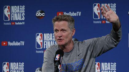 Antrenorul Steve Kerr și-a prelungit contractul cu Golden State Warriors, campioana NBA
