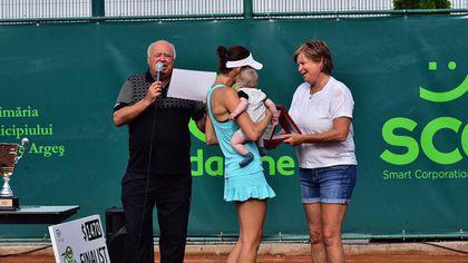 Legendara jucătoare de tenis Hanna Mandlikova a premiat finalistele turneului de tenis Inedit Open Tour. Miriam Bulgaru a învins-o pe Andreea Mitu
