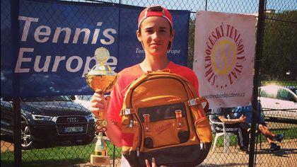 Nicholas David Ionel a obținut prima victorie în circuitul profesionist de tenis, la 15 ani