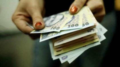 Studiu: Doar șapte angajatori din zece au majorat salariile brute pentru a compensa trecerea contribuțiilor la angajat