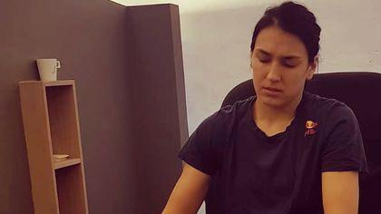Cristina Neagu a revenit în România. Handbalista a început exercițiile de recuperare