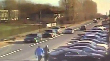 Băiatul unei judecătoare din Craiova A ATACAT CU BÂTA în trafic – VIDEO