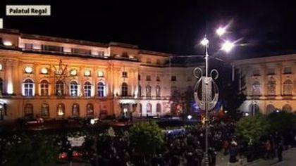 Tolontan despre diferența dintre decorul Casei Poporului și imaginile de la Palatul Regal: