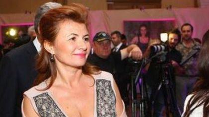 Soția lui Adriean Videanu are cea mai scumpă poșetă din România, în valoare de...