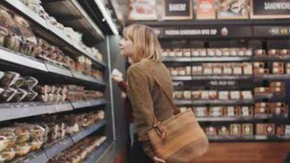 Supermarketul unde nu există cozi și case de marcat, deschis de astăzi