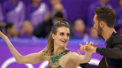 GALERIE FOTO Oops! Eroare! I-a cedat rochia în timpul evoluției de la Olimpiada de Iarnă: