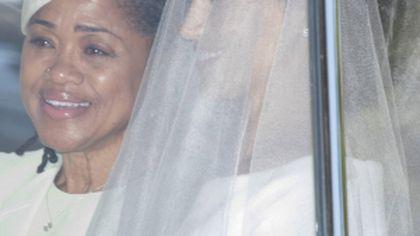 Iulia Albu critică piercingul purtat de mama lui Meghan la nunta regală: Să enumerăm momentele de moarte clinică a modei