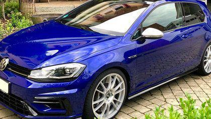 M-uri, AMG-uri si RS-uri, toate sunt pistol cu apa pe langa acest Golf. Hatch-ul german are acum mai multa putere...
