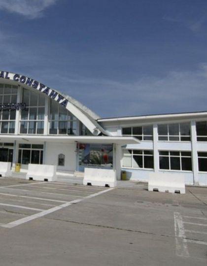 Un avion care trebuia să ajunga la București a aterizat de urgență în Constanța. Pilotul a anunțat că aeronava are flapsurile blocate