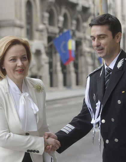 """Cătălin Ioniță, fostul șef al Poliției Române, o atacă dur pe Carmen Dan: """"Trebuie să înceteze minciunile, manipulările şi mascarada care se face în minister"""""""
