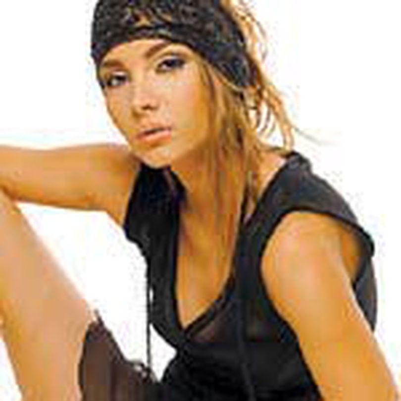 Nicole Gheorghiu, Maia din 'Lacrimi de iubire', nu are timp pentru o relatie