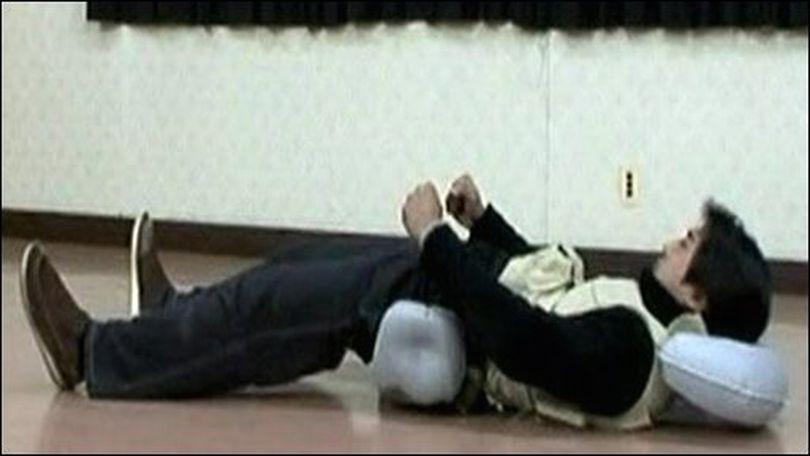 Japonezii au inventat airbagul pentru căzăturile pe spate!