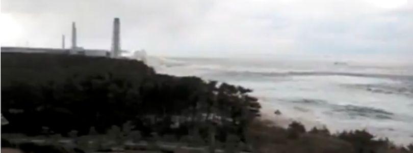 Video | Valurile uriașe ce au lovit Fukushima după cutremurul din 11 martie