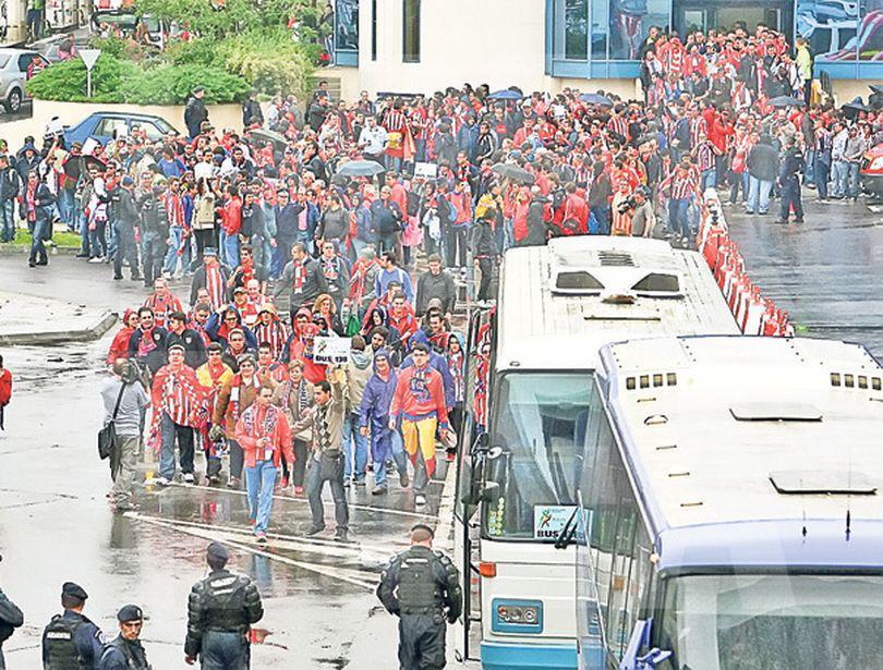 Aproape 11.000 de fani spanioli vor pleca azi de pe Aeroportul Otopeni