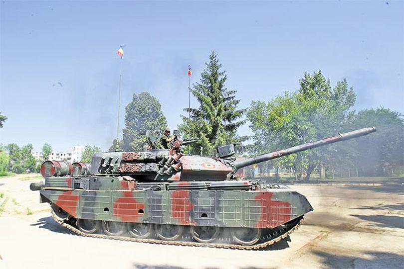 Ne-am plimbat cu tancul românesc, TR-85M1 | FOTO