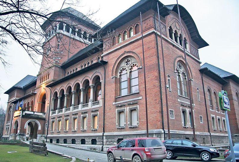Ponta desfiinţează Muzeul Ţăranului din ambiţie?