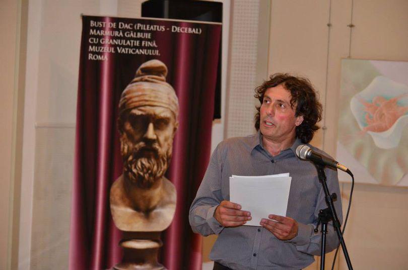 """Istoricul Leonard Velcescu: """"Fiecare statuie de dac, realizată după modele reale, ascunde şi un portret lăuntric care se contopeşte cu cel fizic"""""""