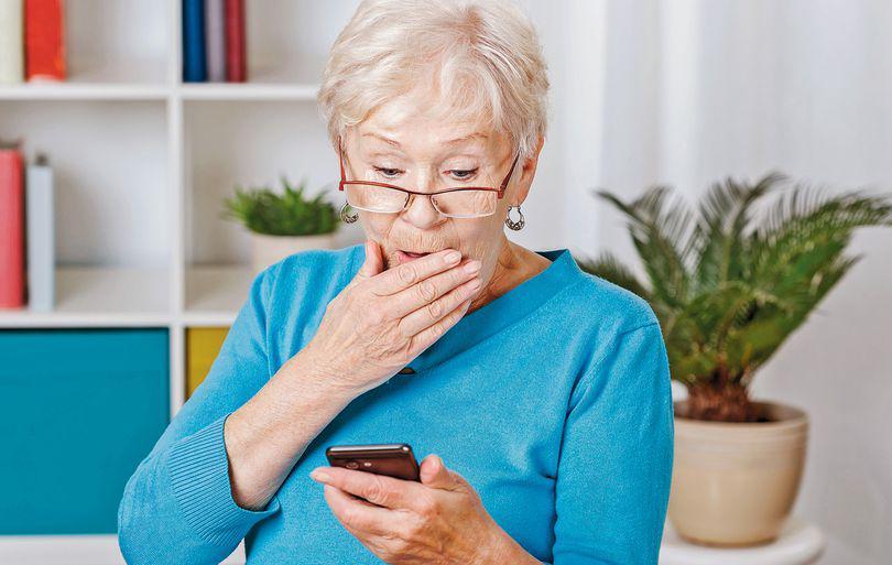 Telefoane mobile destinate bătrânilor