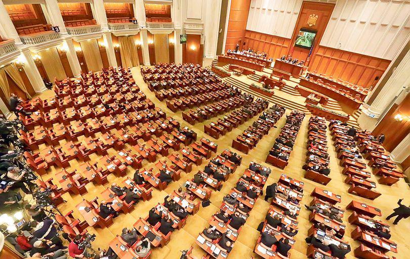 UPDATE | MOŢIUNEA DE CENZURĂ A PICAT! Guvernul PONTA rămâne în funcţie