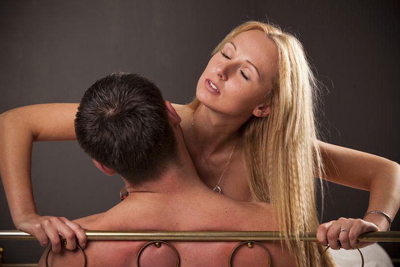 """Adela vă sfătuiește în sex și iubire. """"Problema e că el vrea tot timpul să facem sex"""""""