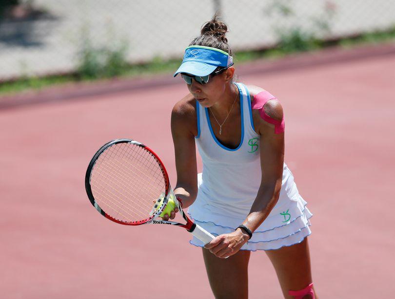 """Mihaela Buzărnescu, în semifinale la Hobart. Monica Niculescu s-a retras, înainte de """"sferturi"""""""