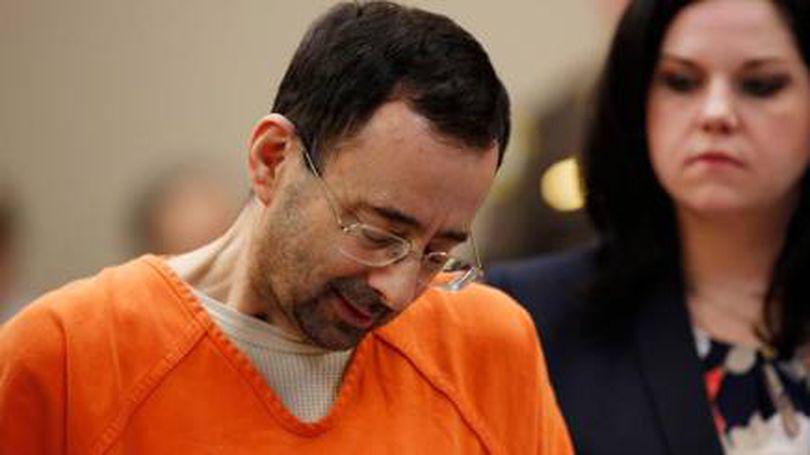 Medicul Larry Nassar a fost condamnat la 60 de ani de pușcărie. A pledat vinovat, după ce le-a abuzat pe gimnastele americane