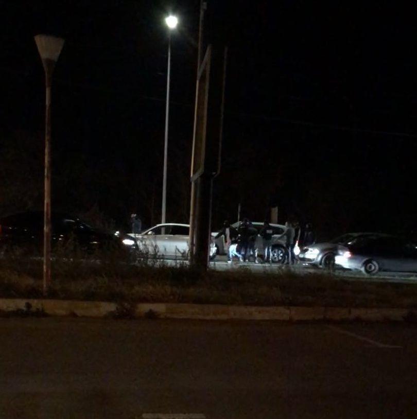 Spaniol din Bacău prins la Mamaia Nord. Ca să-l imobilizeze, mascații au spart geamul mașinii| FOTO