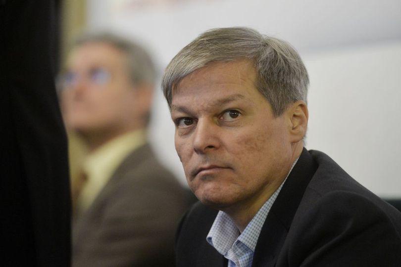 Dacian Cioloş depune în două săptămâni dosarul pentru partidul său. Ce se întâmplă cu Platforma România 100