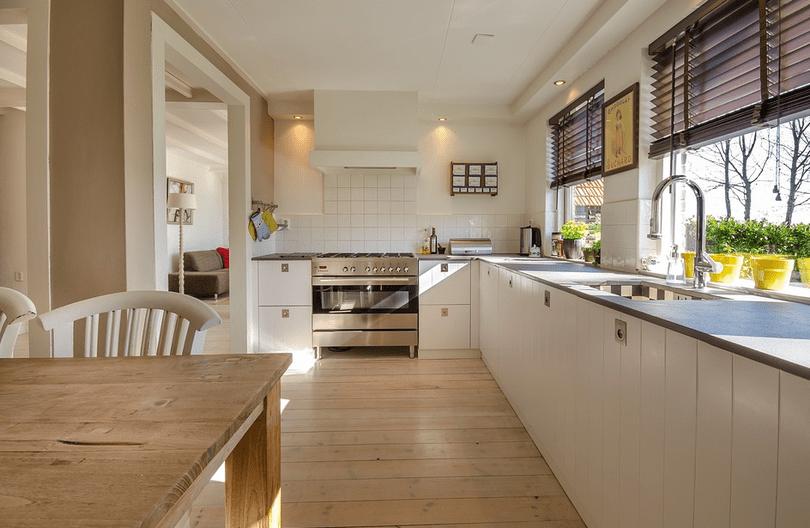 (P) Avantajele si dezavantajele complexurilor rezidentiale