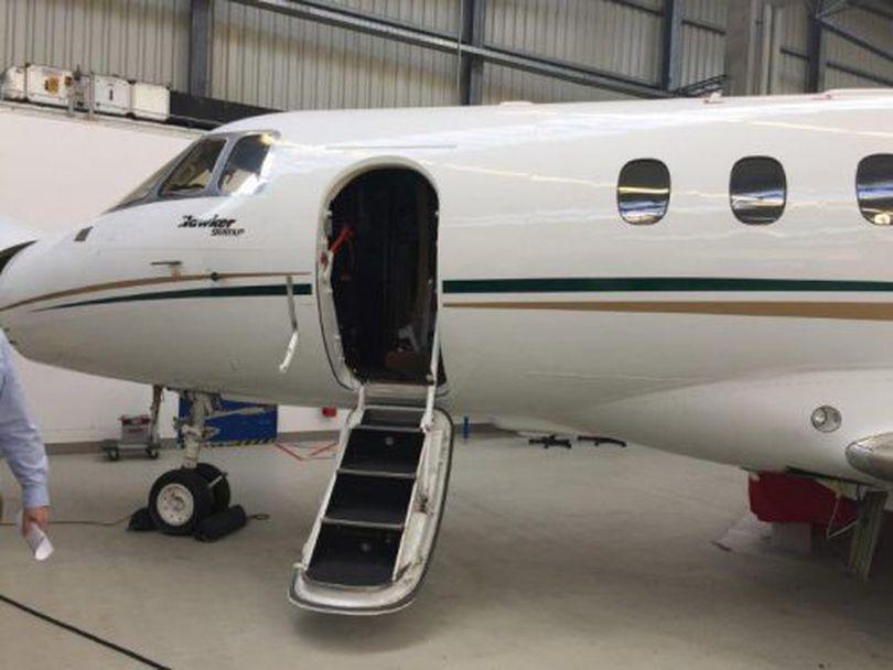 Banca Transilvania a scos la vânzare avionul miliardarului Ioan Niculae