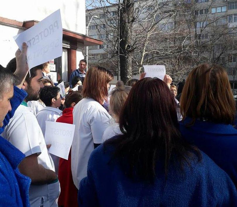 Protest la Institutul Marius Nasta. Asistenții și infirmierii au întrerupt munca