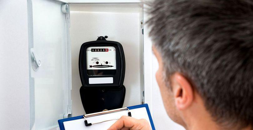Fiecare consumator casnic poate deveni furnizor de energie electrică; Proiectul de lege a trecut de Parlament