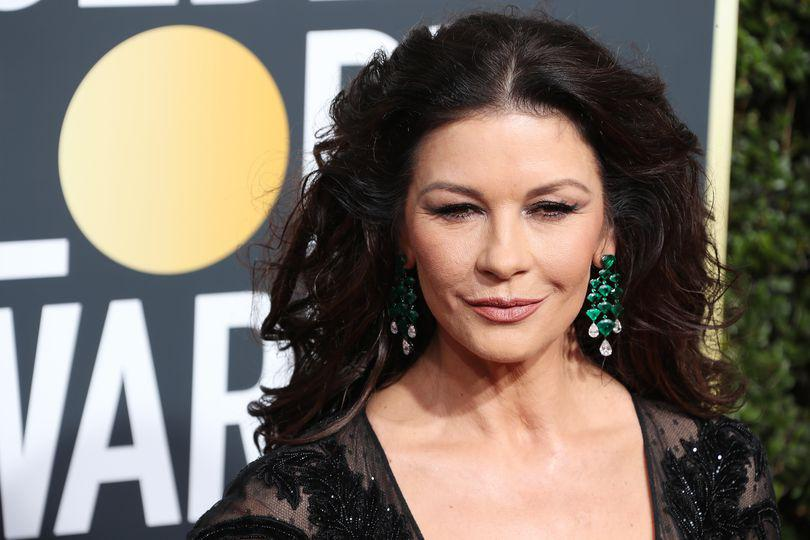 Chaterine Zeta Jones va juca într-un serial produs de Facebook