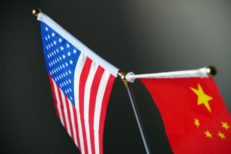 ANALIZĂ / Electronicele s-ar putea scumpi, din cauza războiului comercial dintre SUA și China