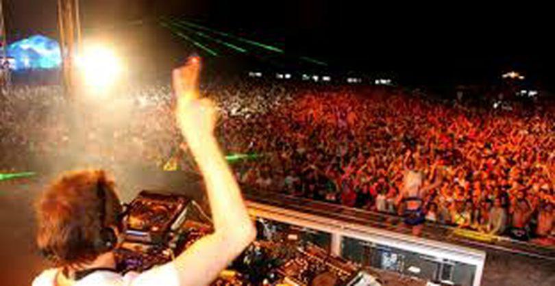 DJ AWARDS 2018 începe pe 30 august, la Sibiu. Nume cunoscute vor urca pe scenă