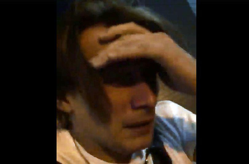 VIDEO/ Actori celebri atacaţi cu gaze lacrimogene şi fugăriţi de jandarmi