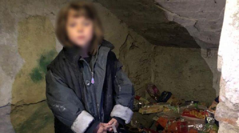 Ce au descoperit autoritățile din Hunedoara în cazul fetiței din Petroșani, dispărută și găsită după o săptămână. Minora a fost preluată de Protecția Copilului