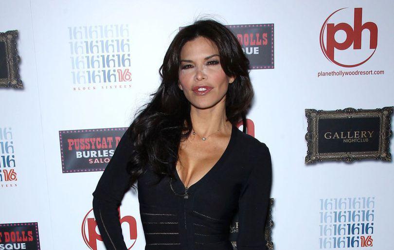 FOTO | Cine este prezentatoarea TV considerată vinovată de divorțul celui mai bogat om din lume. Jeff Bezos ar avea de câteva luni o relație cu Lauren Sanchez
