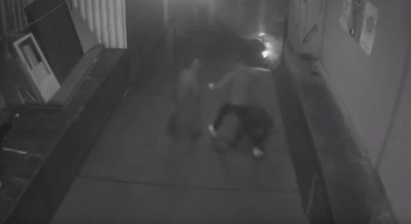 VIDEO | Imagini cu momentul în care un politician german este bătut pe stradă