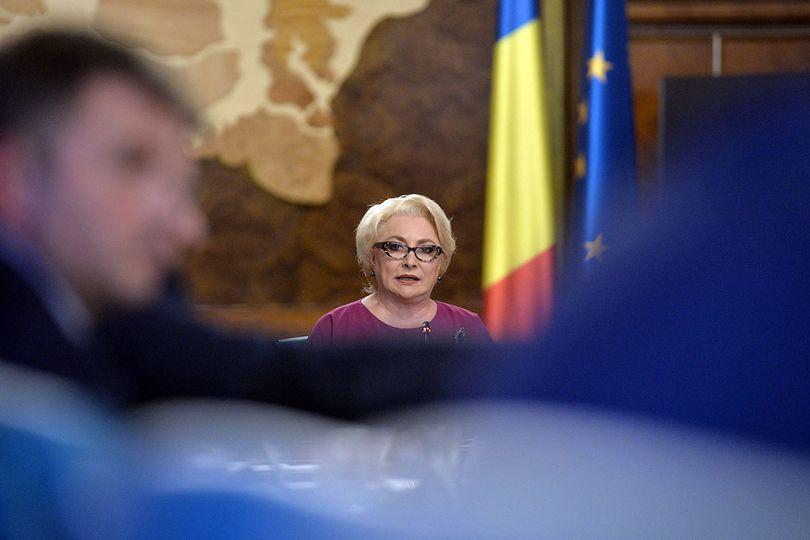 """Viorica Dăncilă l-a acuzat pe şeful statului că a transformat şedinţa solemnă a Parlamentului în campanie electorală: """"Îmi cer scuze eu!"""""""
