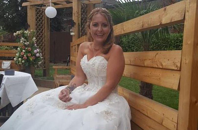 O femeie a murit la șase zile după ce s-a căsătorit. Familia încearcă să afle ce i s-a întâmplat